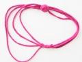 Collar trapillo rosa con adorno en un lado | gingerytulula.com