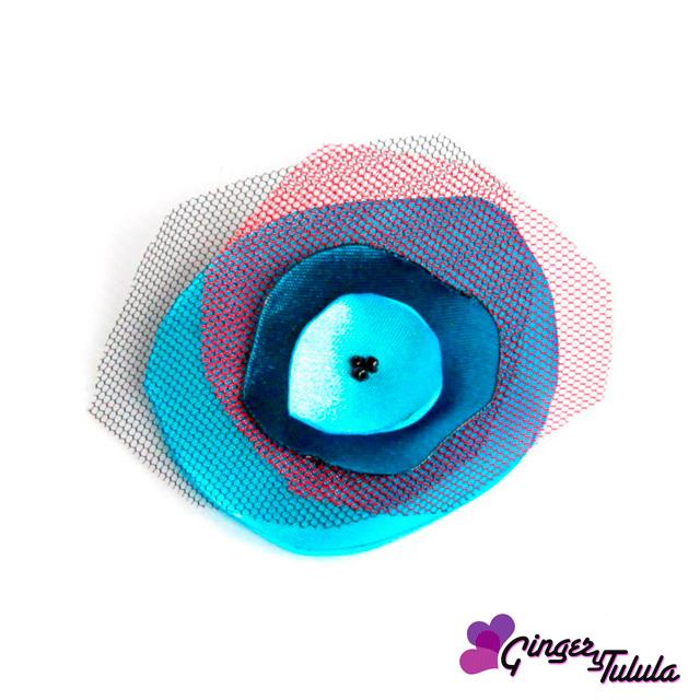 Broche de raso en varios colores, rosa, azul y turquesa | gingerytulula.com