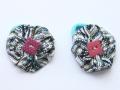 Coletero de lunares con adorno de botón rosa en el centro | gingerytulula.com