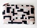 Monedero con cremallera. Tela crucigrama de La Retalera | gingerytulula.com